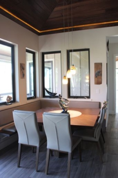 (4) The Fortune/Lopez home is in island contemporary style, such as this dining alcove